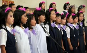 [新闻转载]8族学生组成合唱团 霹联委会推动特色华小